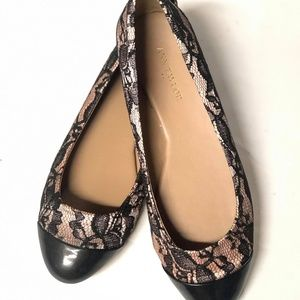ANN TAYLOR   BLACK AND LIGHT PINK LACE FLATS SHOES